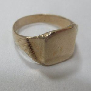 10k solid yellow gold signet ring